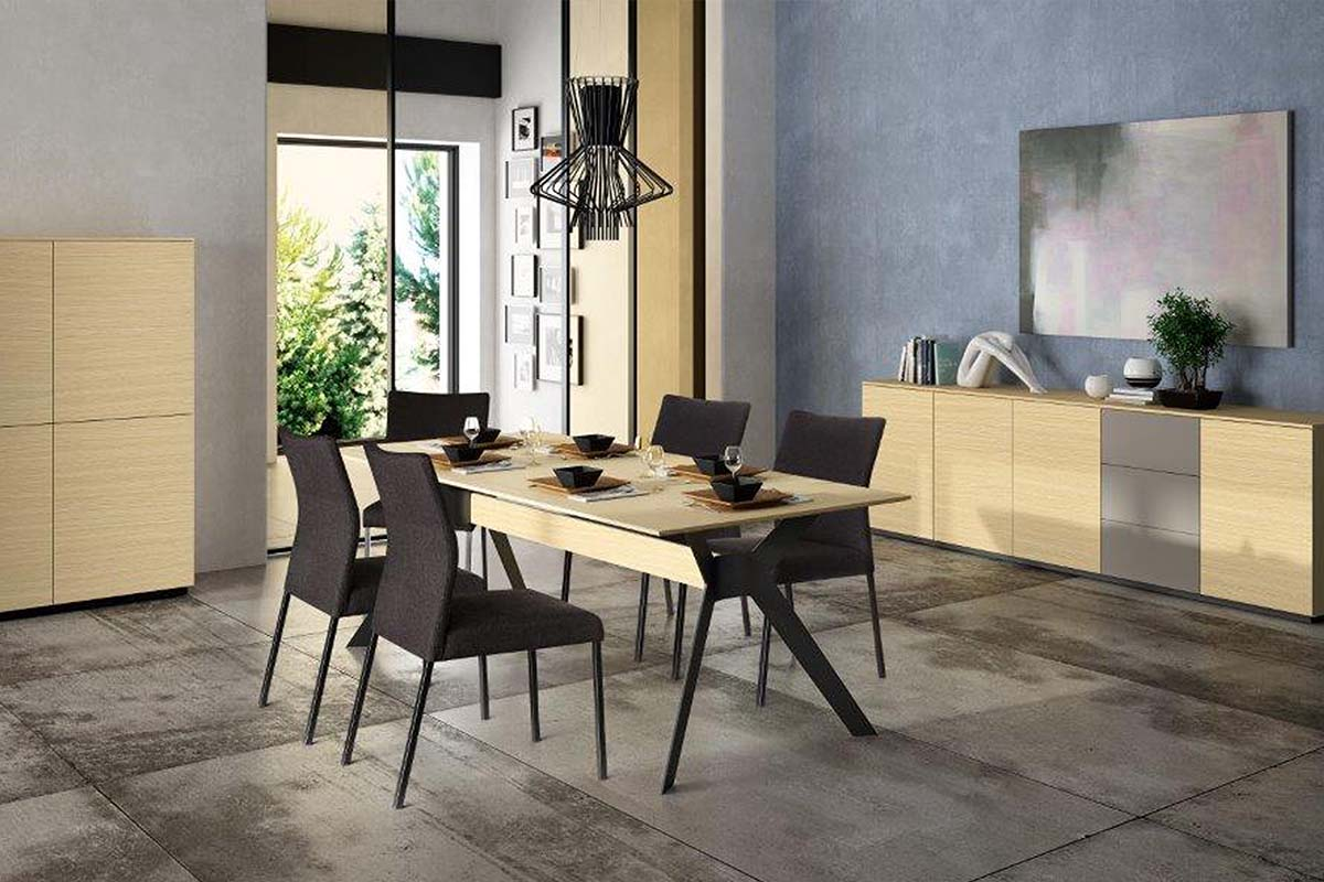 Eetkamer Cascade tafel en stoelen